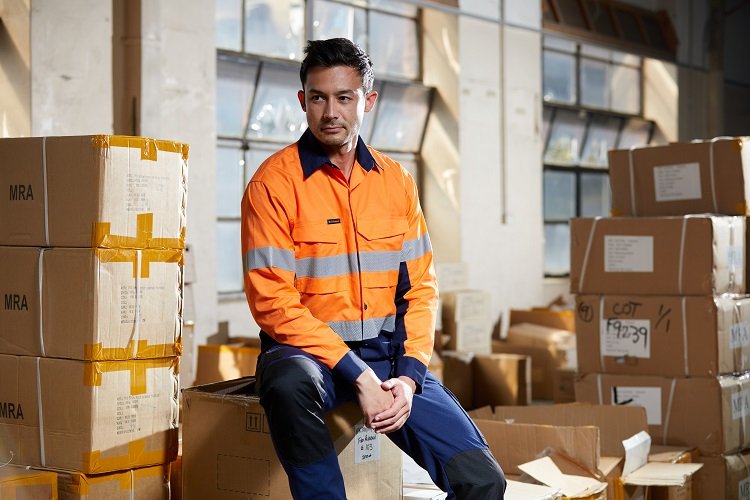 A Guide to Choosing The Right Hi-Vis Workwear Fabric